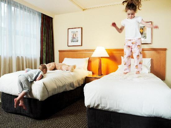 Rydges World Square Sydney Hotel: Family Room - Kids will love it!