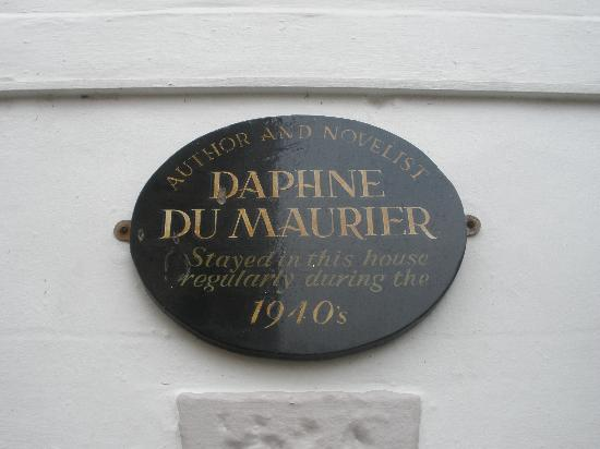 Cornerways B&B: Daphne du Maurier plaque