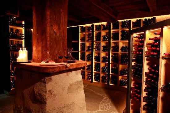 Hotel Adler Dolomiti Spa & Sport Resort: la nuova cantina dei vini