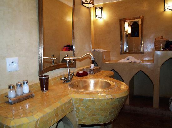 Riad Anya: Salle de bain de la chambre Anya
