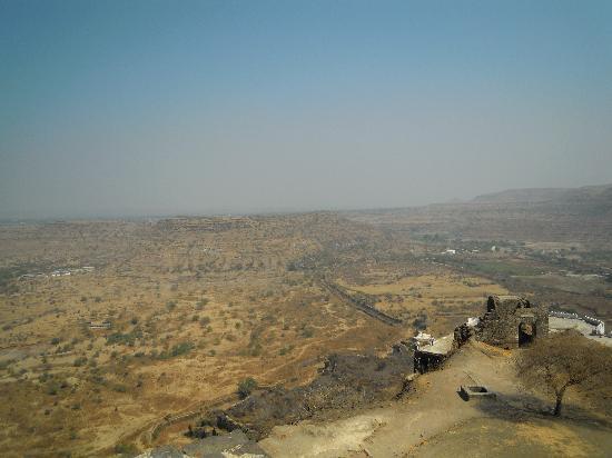 Daulatabad Fort: 頂からデカン高原方向の眺め