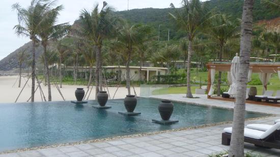 Mia Resort Nha Trang: Pool Area