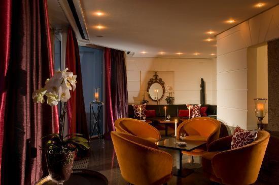 Schlosshotel Burg Schlitz: Hotelbar & Davidoff Cigarren Lounge