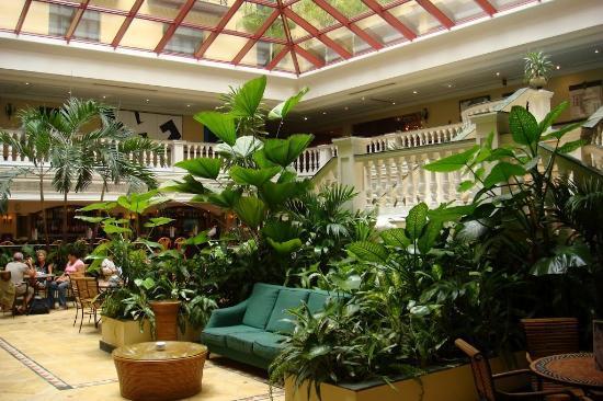 Hotel Parque Central: Лобби отеля