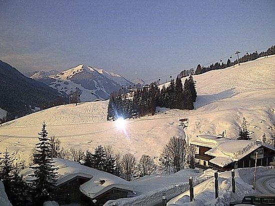 Art & Ski-In Hotel Hinterhag Saalbach : Vom Fenster Zimmer 206