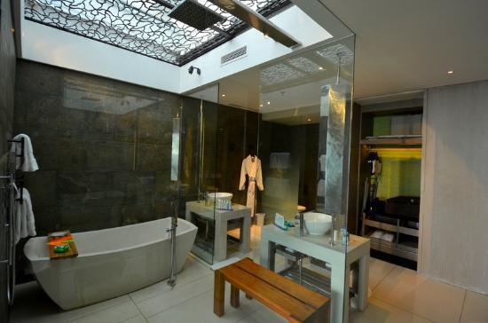 Large balcony with seaview picture of w bali seminyak for Balinese bathroom design