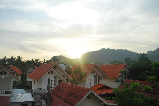 At Aonang Guesthouse: Sunrise from the balcony of our room