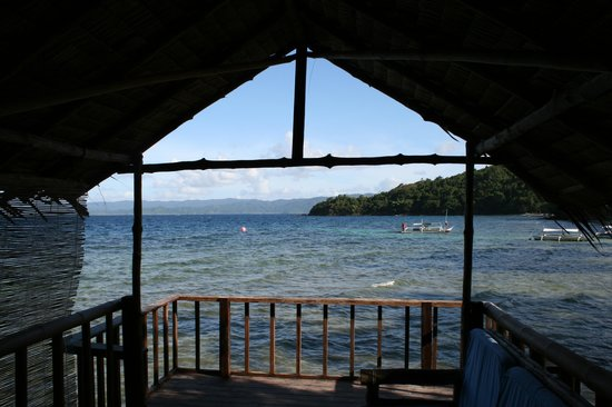 Blue Cove Island Resort : View from the ocean front cottage balcony.