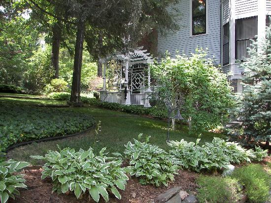 The 1899 Wright Inn and Carriage House: One of our gardens to relax in