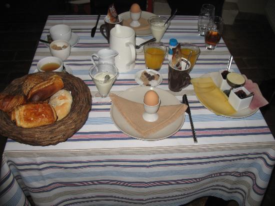Calis Bed & Breakfast: Breakfast