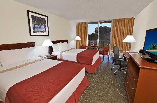 Ramada Hialeah/Miami Airport: Double Queen Bed Guestroom