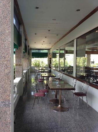 Grand Park Hotel: Terrasse