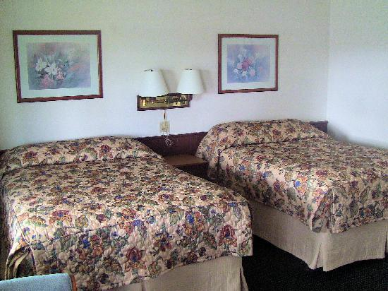 Spinning Wheel Motel: Two Bed