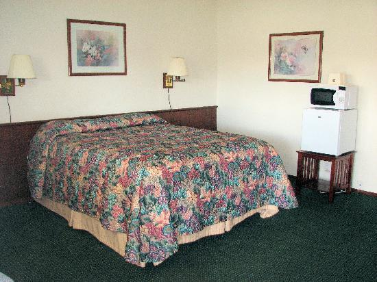 Spinning Wheel Motel: One Bed