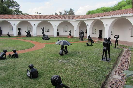 Museo Ralli: jardim de esculturas