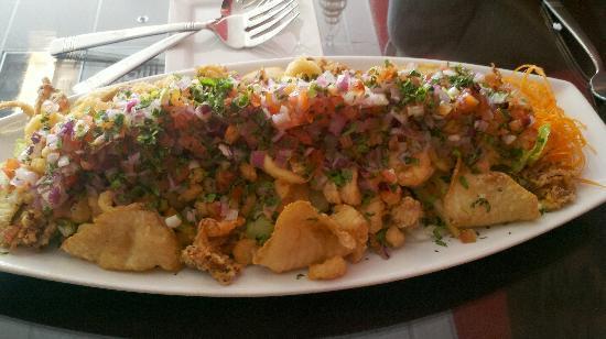 Machu Picchu Peruvian Cuisine: Jalea, large platter for 2