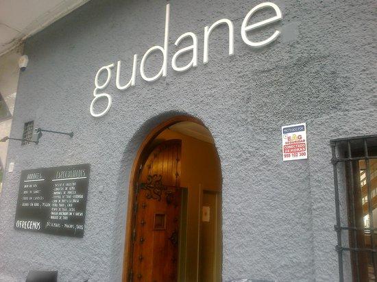Restaurante Gudane: fachada av Salobreña