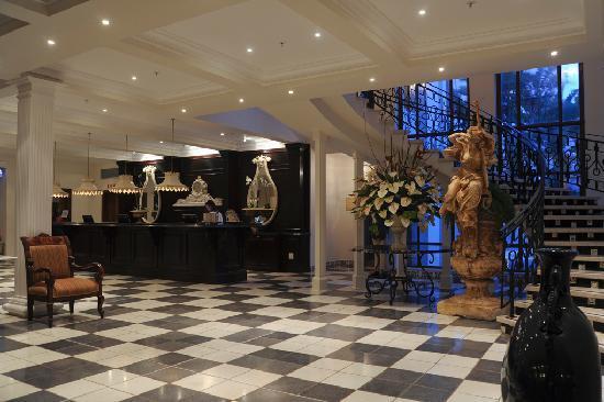 The Oyster Box: Lobby
