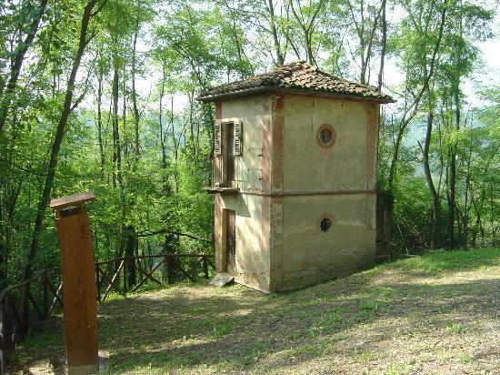 Monta, Italy: Il Ciabòt Calorio, sul Sentiero dell'Apicoltura.