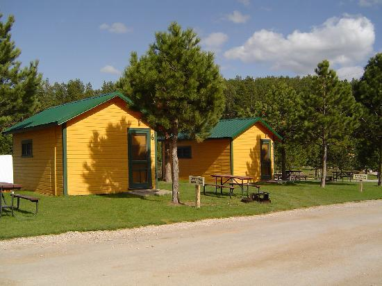 Crooked Creek Resort and RV Park: Camping Cabins