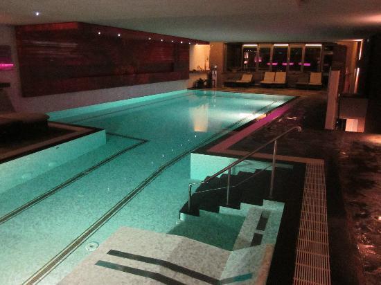 Hotel Butgenbacher-Hof: Piscine