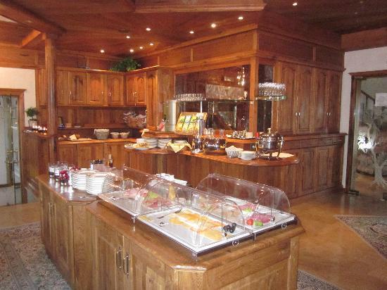 Hotel Butgenbacher-Hof: Buffet (petit déjeuner)