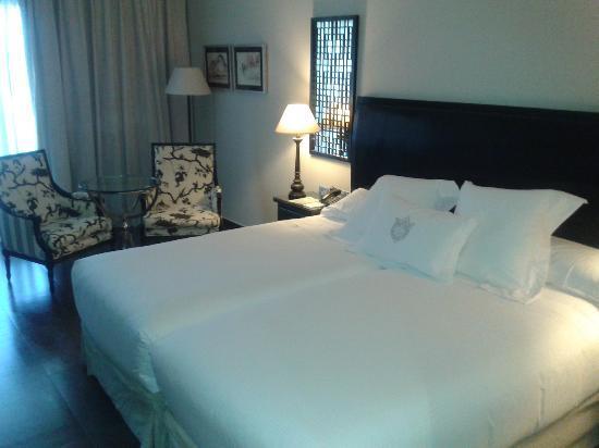 Asia Gardens Hotel & Thai Spa, a Royal Hideaway Hotel : Vista de la habitación doble