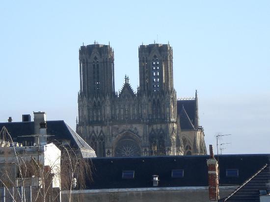 Ibis Styles Reims Centre Cathedrale: Vistas de nuestra habitacion