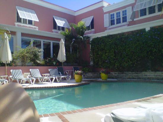 Royal Palms Hotel: Pool-side.