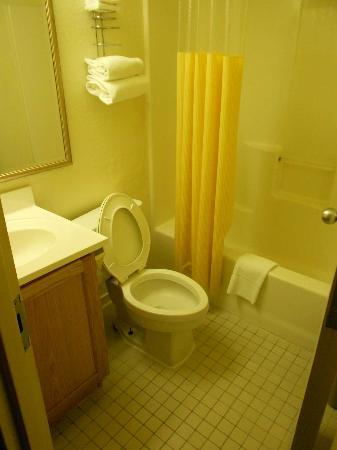 Americas Best Value Inn: Cuarto de baño