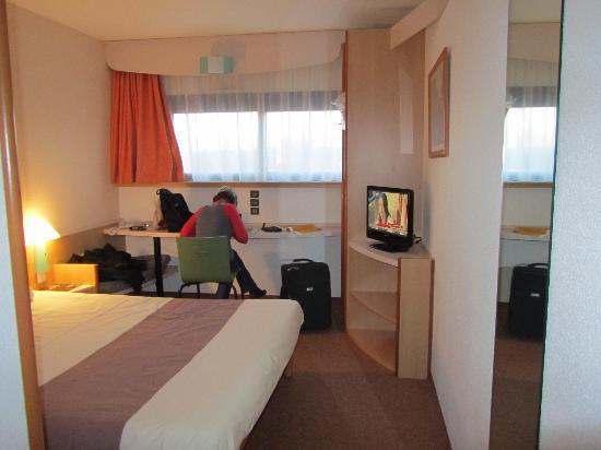 Hotel Ibis Site du Futuroscope : Vue sur la chambre