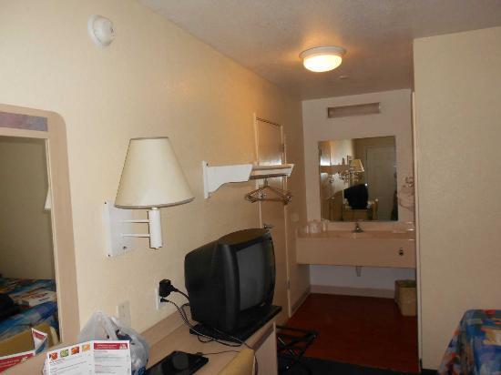 南查爾斯頓 6 號汽車旅館照片