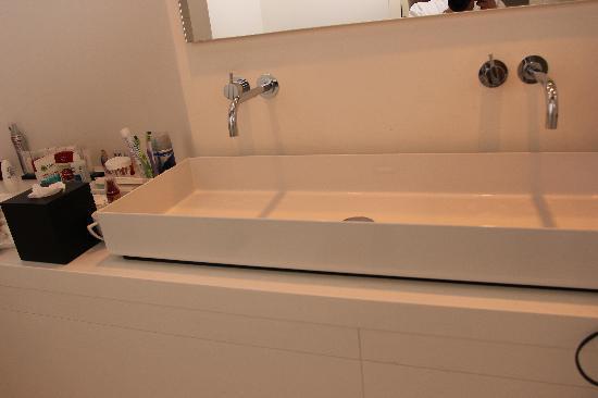 b&nb Herengracht: Раковина в ванной