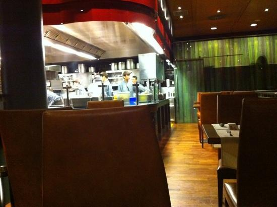Thai-Li-Ba: inside restaurant