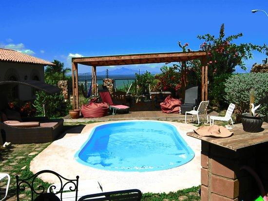 Posada Casa Mejillon: Vue depuis la piscine