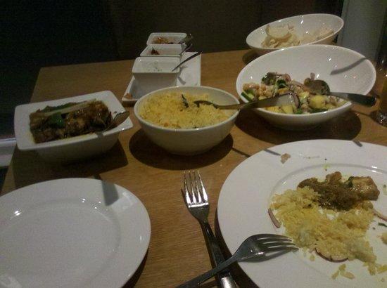 Das essen auf dem tisch picture of raval luxury for Tisch essen