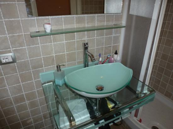 St. John Rome b&b: baño