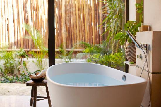 Viceroy Riviera Maya: Soaking Tub