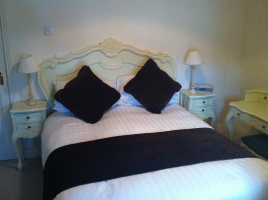Vaughans Anchor Inn: Provence style room