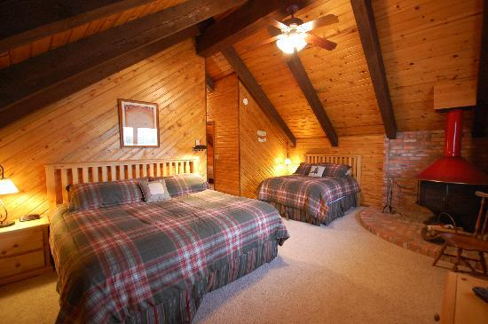 TroutChasers Lodge & Fly Fishing Outfitters: Yellowstone Nat. Park Room