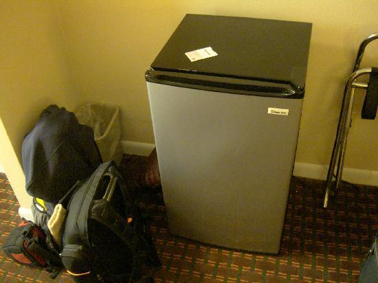 Super 8 Watertown/Cambridge/Boston Area: Fridge