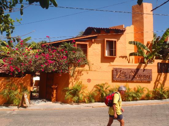 Villas Miramar: Main entrance to garden view rooms