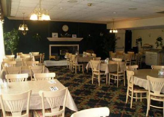 Quality Inn: Restaurant Meeting Room