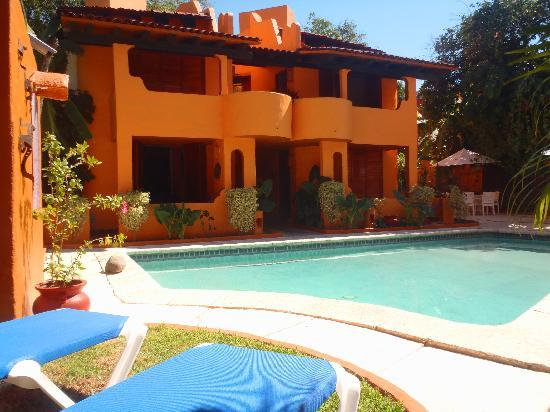 Villas Miramar: Garden view swimming pool