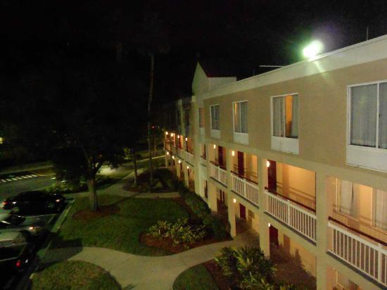 Ramada Orlando Near Convention Center: Hotel por fuera