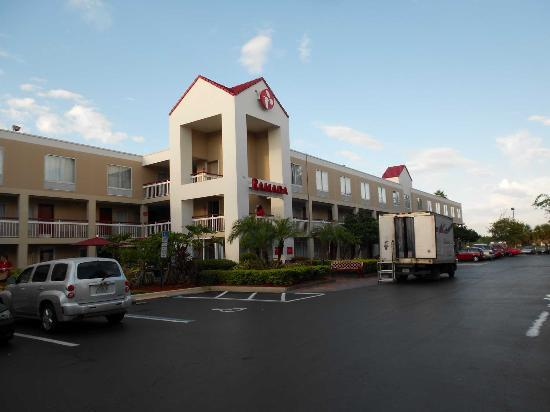 Ramada Orlando Near Convention Center : Fachada