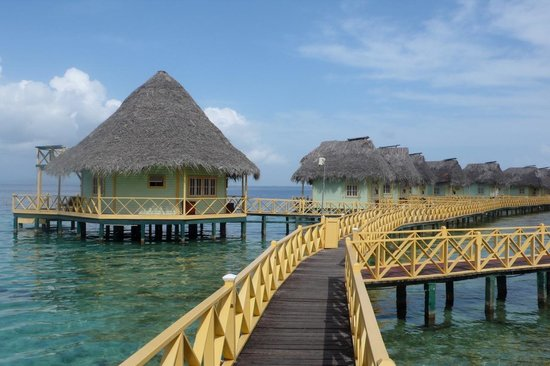 Punta Caracol Acqua Lodge: The bungalows