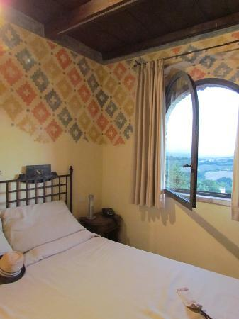Castello di Monterone : our room