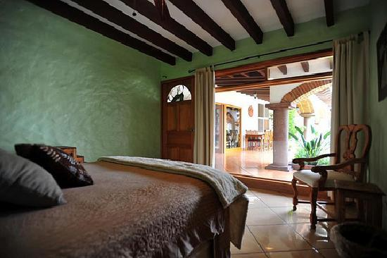 Casa Chocolate Bed and Breakfast: Mint Chocolate room view