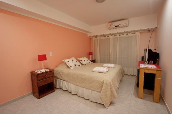 Hotel Mil Rosas : Habitacion